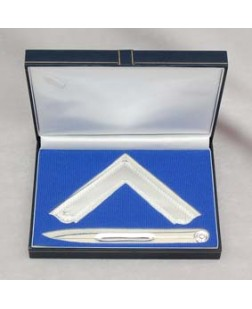 F050 Boxed Set Of Square & Compasses Silverplated